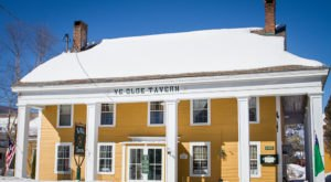 Open Since 1790, Ye Old Tavern Has Been Serving Traditional Pot Pies In Vermont Longer Than Any Other Restaurant