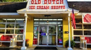 Cammie's Old Dutch Ice Cream Shoppe's Banana Split Is One Of The Best Sundaes In Alabama