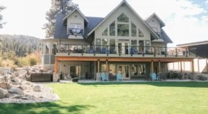 You Can Rent This Entire Magnificent Mansion In Washington For Your Next Group Getaway