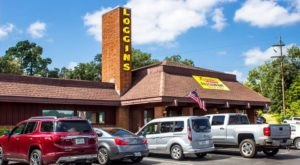 The All-You-Can-Eat Buffet At Loggins Restaurant In Texas Features Downright Delicious Country Cookin'
