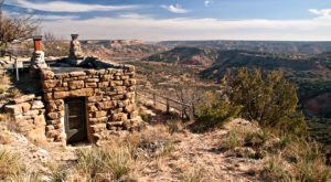 You'll Have A Front Row View Of The Texas Grand Canyon At These Cozy Cabins