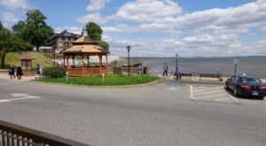 Experience Outdoor Dining At Its Best At The Promenade Grille In Maryland