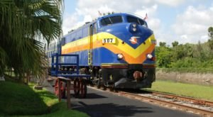 Eat A 5-Course Meal While Solving A Murder At The Murder Mystery Dinner Train In Florida