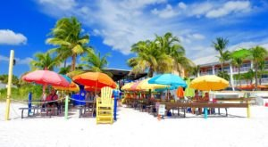 The Salty Crab Bar & Grill In Florida Is A Scrumptious Waterfront Eatery