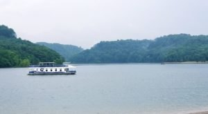 This Summer, Take A Kentucky Vacation In A Floating Home On Lake Cumberland