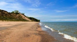 Indiana Dunes National Park Is A Top-Rated Natural Attraction Where You'll Enjoy Plenty Of Fresh Air