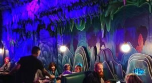 There Is A Pizza Cave In Jacksonville That Will Transport You To The Stone Age