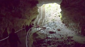 Hike Through The Longest Cave In Kentucky For An Incredible Underground Adventure