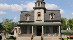 Take A Small Town Escape To McClure Guesthouse, A Historic Victorian Hotel In Illinois