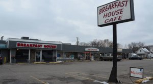 Family-Owned Since The 1970s, Step Back In Time At Breakfast House Cafe In Iowa