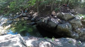 This Underrated Trail In New Hampshire Leads To A Hidden Turquoise Pool