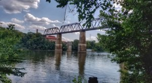 Visit The Shelby Bottoms Greenway In Nashville For A Beautiful Waterside Springtime Hike