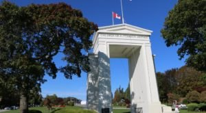 The One Place In Washington Where You Can Cross The Canadian Border With No Passport