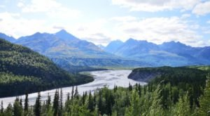 You Can Drive Up To Alaska's Amazing Natural Wonder, Matanuska Glacier, To See It With Your Own Eyes