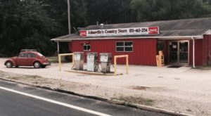 Take A Bite Of Some True Southern Delights At Johnsville's Country Store In Arkansas