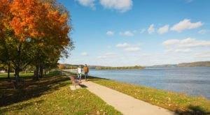 Enjoy A Beautiful Stroll Along The Mississippi River In Guttenberg, Iowa