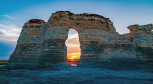 The Chalk Formations At Kansas's Monument Rocks Look Like Something From Another Planet