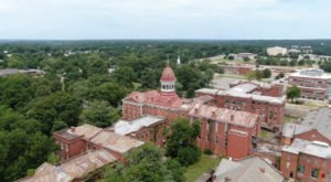The Haunted Babcock Building Of The Former South Carolina State Hospital Has A Bone-Chilling History
