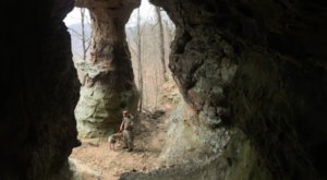Hike To This Sandy Cave In Arkansas For An Out-Of-This-World Experience