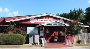 Dreamland Bar-B-Que Is One Of Alabama's Most Iconic Foods And You Can Have It Shipped Right To Your Doorstep