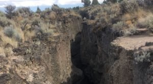 This Two-Mile-Long Crack In The Ground In Oregon Was Created Millions Of Years Ago, And You Can Hike It