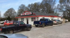 A Tiny, Unassuming Eatery, The Pit Stop Doles Out Some Of The Best BBQ And Biscuits In Mississippi