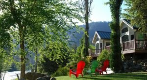 These Quaint Cottages On The Banks Of The Trinity River In Northern California Will Make Your Summer Splendid