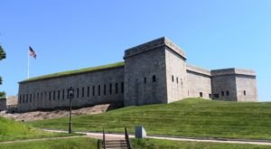 Explore A Historic Coastal Fortress At Fort Trumbull State Park In Connecticut