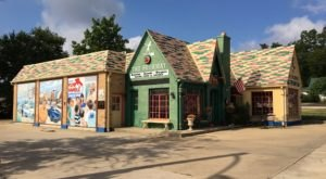 The Four Way Restaurant In Missouri Sits In A Former Gas Station And Is A Must Visit