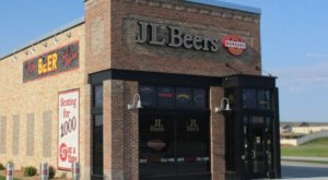JL Beers Is The North Dakota Based Burger Joint People Can't Get Enough Of