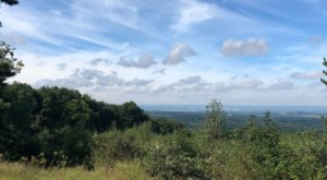 Hike To A Spectacular Vista On The Lookout Mountain Loop In Connecticut