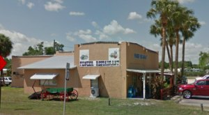 The Country Cafe, Pioneer Restaurant In Florida Is A Local Favorite With Longevity