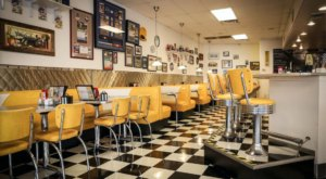 An Authentic 1950s-Style Diner Experience Awaits At Linda's Soda Bar In Northern California