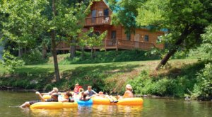 These Quaint Cottages On The Banks Of The Little River In Tennessee Will Make Your Summer Splendid