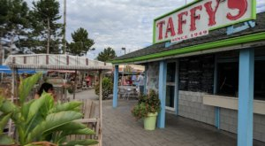 Cool Down With One Of The Best Milkshakes You've Ever Had At Taffy's In Buffalo