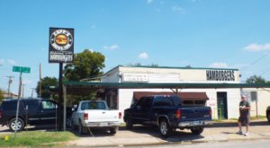 Cupp's Is An Old Fashioned Drive-In Restaurant In Texas That Hasn't Changed In Decades