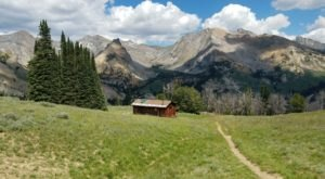 Hike Across Stunning Ridges And Valleys To A 1930s Cabin On The Pioneer Cabin Trail In Idaho