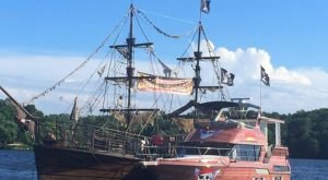 Missourians Can Sail On A Pirate Ship Through Lake Of The Ozarks This Summer