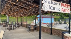 Dine Out In A Real Stadium At This Baseball-Themed Ballpark Restaurant In Kentucky