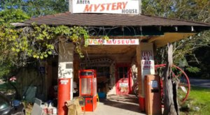 The Downright Bizarre Abita Mystery House Might Just Be The Quirkiest Museum near New Orleans