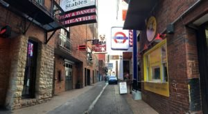 Take Your Tastebuds On A Trip To London By Visiting Fleet Street Pub In Downtown Nashville