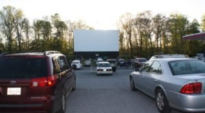 The Swingin' Midway Drive-In Theater In Tennessee Is The Perfect Place For A Family Night Out