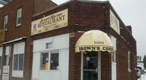 Dig Into An Old Fashioned Breakfast At Brown's Corner Restaurant In Cleveland