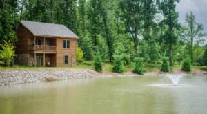 These Quaint Cottages On The Banks Of The Indian Creek In Illinois Will Make Your Summer Splendid