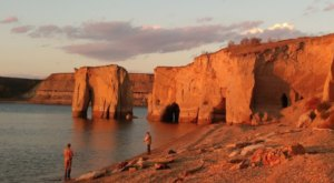 5 Different Parks Around North Dakota's Largest Lake Where You Can Enjoy Everything It Has To Offer