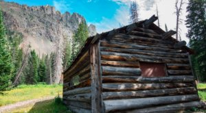 Take In The Show-Stopping Views From This Cabin In The Largest Park In Colorado