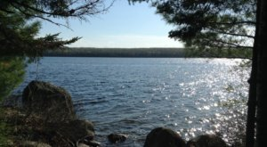 This 1-Mile Hike In Maine Will Lead You Straight To The Shores Of A Beautiful Lake