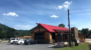 JJ's Meat Shak Is A Mountain Town Barbecue Restaurant In Virginia You'll Absolutely Love