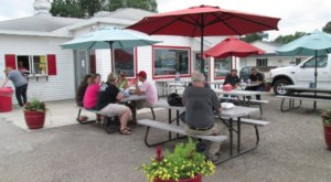 You'll Have The Sweetest Meal Of The Year At Goldie's Ice Cream Shoppe In Iowa