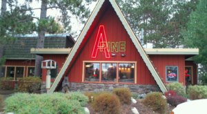 You Can't Miss This Charming And Delicious Log Cabin Restaurant By The Roadside In Pequot Lakes, Minnesota